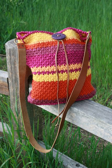crocheted Bag. Not my colors but love the pattern.