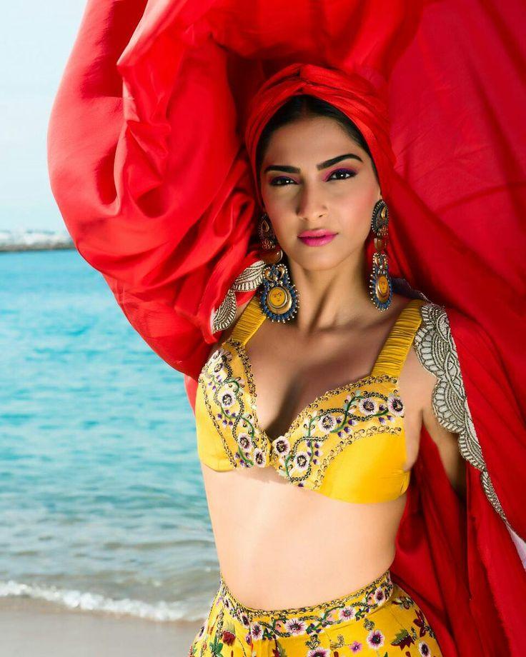 Sonam Kapoor | Expensive Duniya