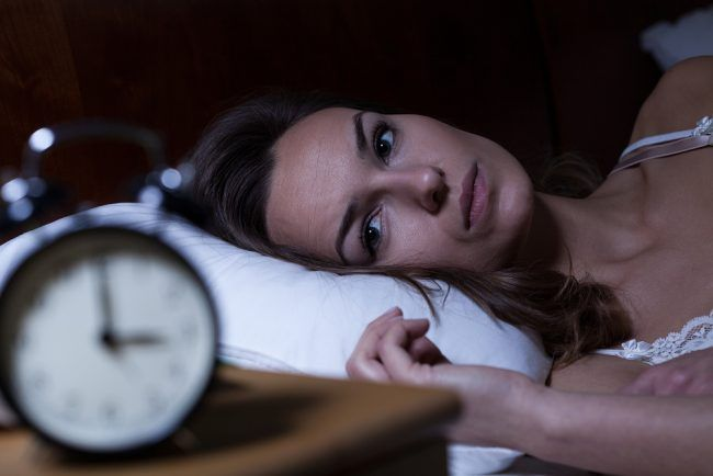 Schlafstörungen behandeln: Ursachen Hausmittel Tipps