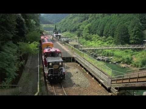 ▶ 夏の嵯峨野トロッコ列車(京都・嵯峨野観光鉄道トロッコ列車) - YouTube
