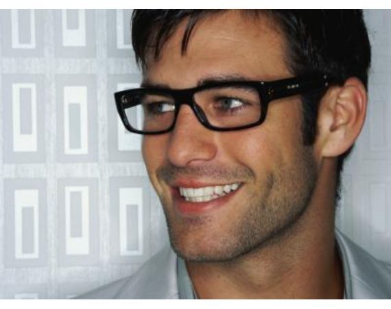 Men With Glasses @Ian Tuck Tuck Tuck Wilson/ Get the look: http://www.lookmatic.com/men/holly-black
