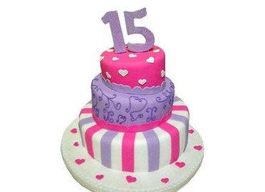 Torta  15 años de  3 pisos- Mágicas - Tortas, Postres & Dulces - Tortas - PlazaTop