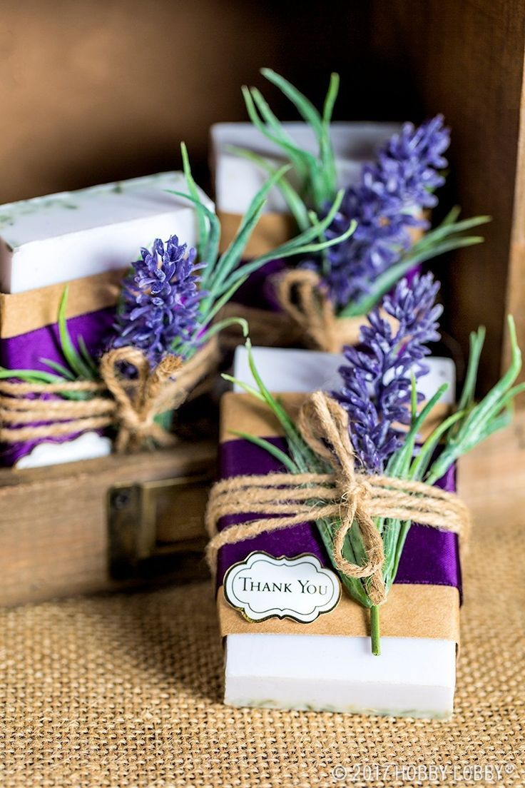 Treat your guests with unforgettable wedding favors! 6a2b20d62734ab3f8df5a8271adaf15e