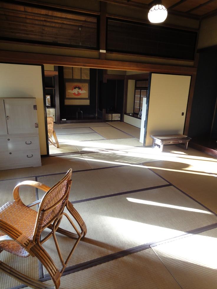 足利の古民家。 ריצפת טאטמי בבית מסורתי ביפן.