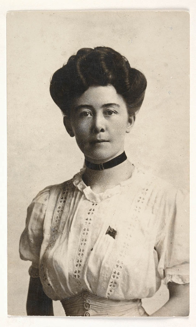Australian author Stella Miles Franklin. Find more detailed information about this photograph: http://acms.sl.nsw.gov.au/item/itemDetailPaged.aspx?itemID=431966 From the collection of the State Library of New South Wales http://www.sl.nsw.gov.au