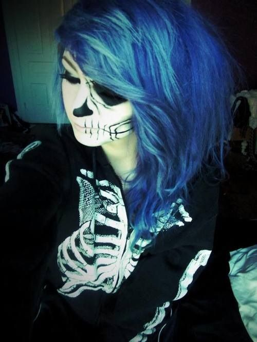 I should dye my hair this color for ONE day; Halloween.