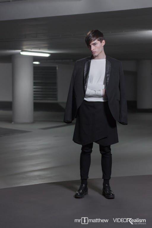 3100 best men in mini skirts images on pinterest kilts dressing and men 39 s fashion. Black Bedroom Furniture Sets. Home Design Ideas