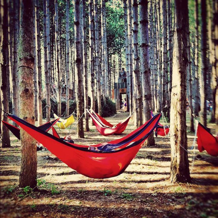 These hammocks are perfect for lounging in your home, in the trees, or even in water! // From @Roadtrippers.com