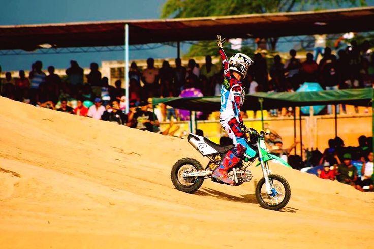 Perú 🇵🇪 2016 #showperu #kankafmxarroundtheworld #trip #thanks #mylife  PERÚ 🇵🇪  #pitbike #kankafmx #ride #backflip #ycfriding #ycf #ycffamily #etnies #bullpark13 #bullpark13barcelona #latinamerica #latinamericaexperience #freestyle #pitbikes #freestylepitbikeshows #riding #moto #jump #air #tattooboy #ink #lifestyle #extremsport #kankaextremsportsbcn  INSTAGRAM @kankafmx FACEBOOK page :  KANKA EXTREM SPORTS BCN