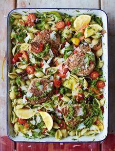 In een kwartiertje een lekkere, gezonde maaltijd op tafel zetten? Het kan met de ruim 60 recepten in het nieuwe kookboek van Jamie Oliver: Jamie in 15 minuten.