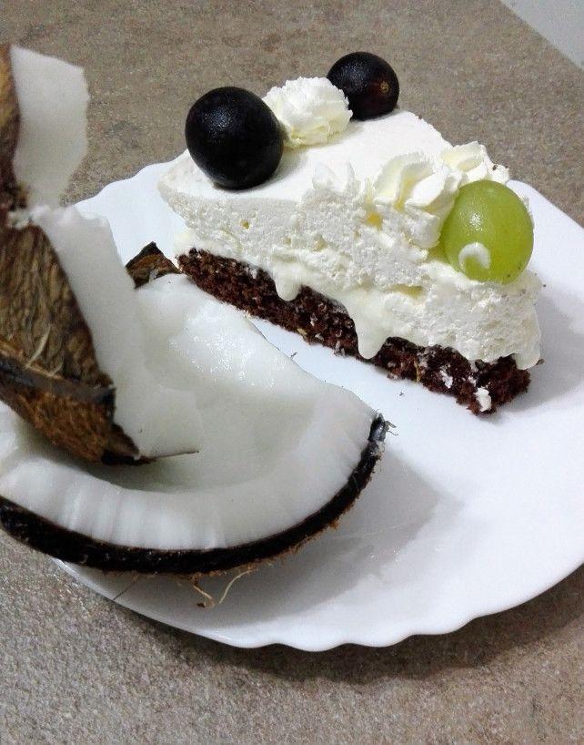 Tort cu crema de lapte condensat si cocos.