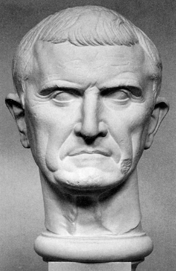CRASO (115-53 a. C.) Marco Licinio Craso. Aristócrata, general y político romano de la era tardorrepublicana. Formó un pacto secreto con Cayo Julio César y Cneo Pompeyo Magno, el llamado Primer Triunvirato, para hacerse con el poder en Roma.