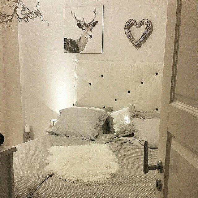 Graues gemütliches Schlafzimmer