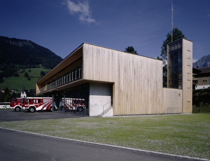 Fire Station And Mountain Rescue Building / Dietrich Untertrifaller Stäheli Architekten