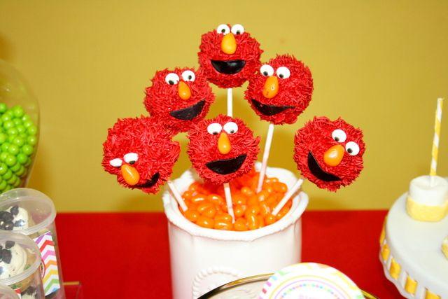 Furry Elmo cake pops #elmo #cakepops