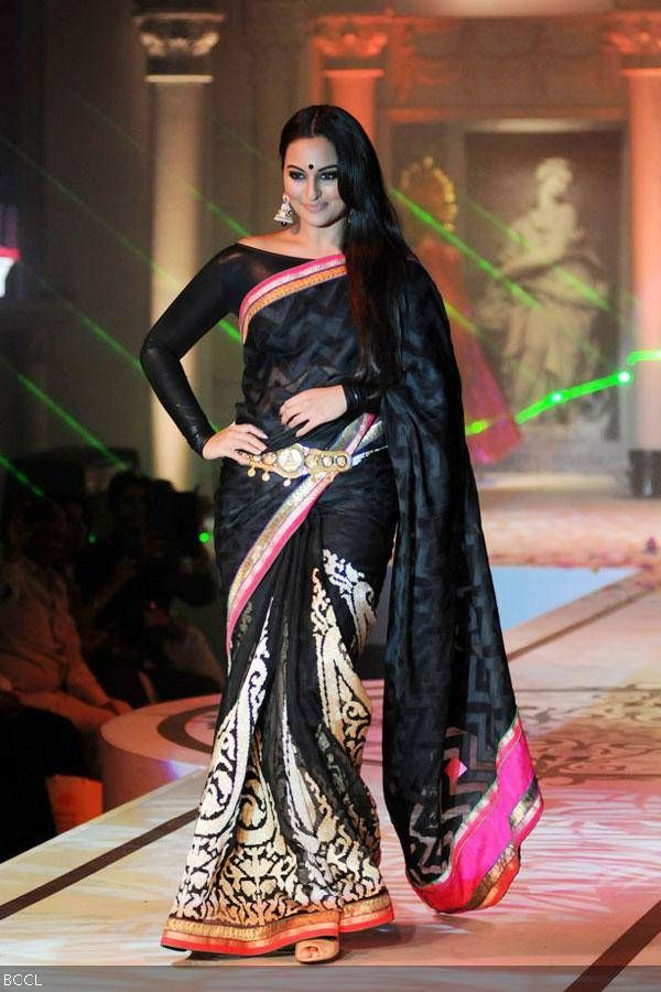 50 hot looks in sarees