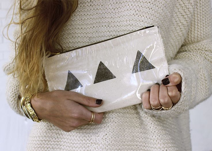 BLANK CANVAS www.etsy.com/people/blankcanvasshop  Stamp - bag - handbag - makeup bag - fabric - plastic bag - hand made - women - clutch