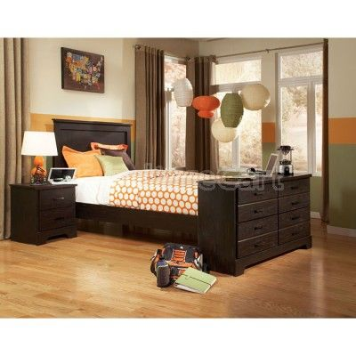 Hideout Bedroom Set w/ Dresser Footboard Bed