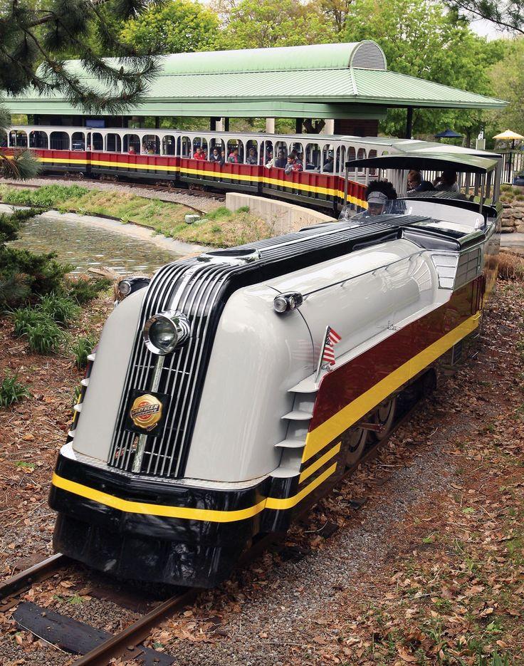 Chrysler Donates to Detroit Zoo Tauber Family Train - 2008 - Picture ...