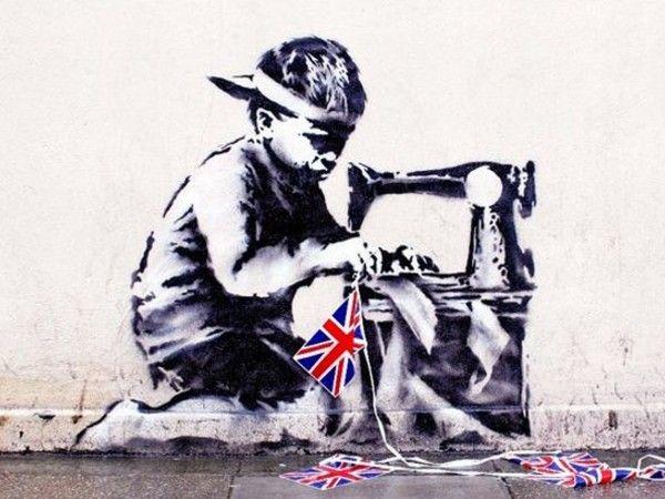 """E'+apparso+a+Bristol+il+nuovo+capolavoro+del+famoso+street-artist+inglese:+omaggio+all'artista+olandese+Vermeer,+""""The+Girl+with+the+Pierced+Eardrum""""+(letteralmente,+""""La+ragazza+con+il+timpano+trafitto""""),+cosi+si+chiama+il+nuovo+graffito+di+Banksy,+realizzato+ieri+notte+su+un+muro+di+Bristol+e+ispirato+sia+nel+titolo+che+nell'immagine+al+capolavoro+del+pittore+olandese+Jan+Vermeer.+Nell'opera+di+Banksy+tutto+rimanda+alla+meravigliosa+figura+eterea+e+leggera+della+""""ragazza&"""