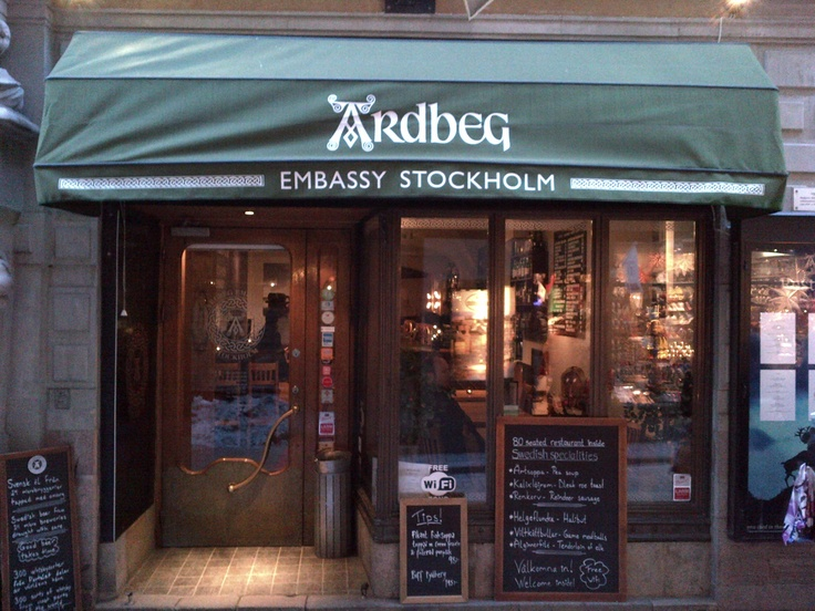 The Ardbeg Embassy in Stockholm's old town. Pushing the brand in new directions, The Ardbeg Embassy has got its bar and its kitchen in order.