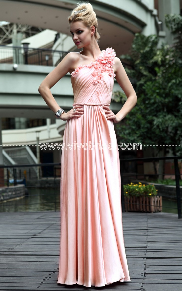 20 best Evening Dresses images on Pinterest   Ballroom dress, Dress ...
