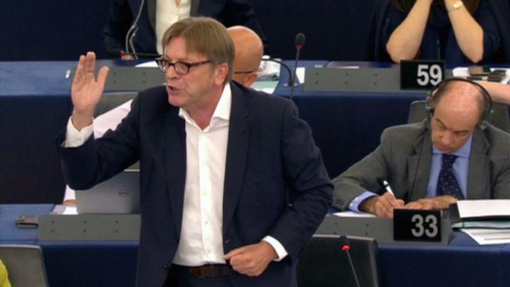 Vurige Verhofstadt: weg met Griekse privileges | NOS