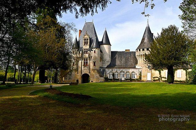 Château de Javarzay, Chef-Boutonne, Deux-Sevres, Poitou-Charentes, France. by Tripod 01, via Flickr