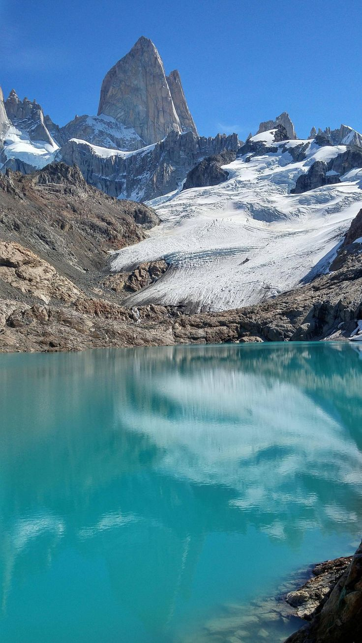 Ao Avesso | Laguna de los Tres and Fitz Roy mountain, near El...