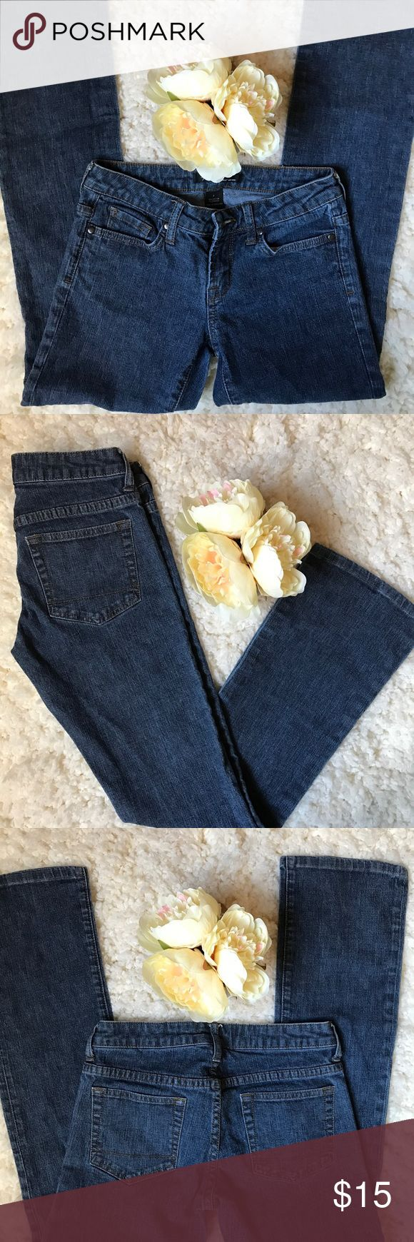 """Kenneth Cole Women's Dark Wash Jeans Size 2 Kenneth Cole Women's Dark Wash Jeans Size 2 Uniform Work Casual  *Inseam 27"""" Kenneth Cole Jeans Straight Leg"""