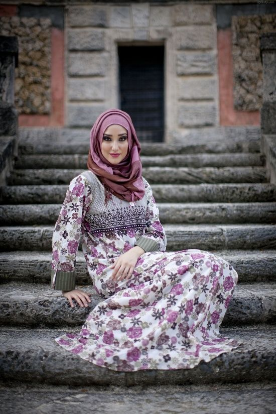 Purple Hijab Styles and Combination Ideas  90314eba6a772cc3db64d180ecea8f6c