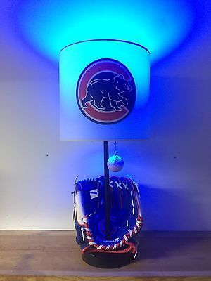 Custom-Chicago-Cubs-Glove-Baseball-Table-Lamp-MLB