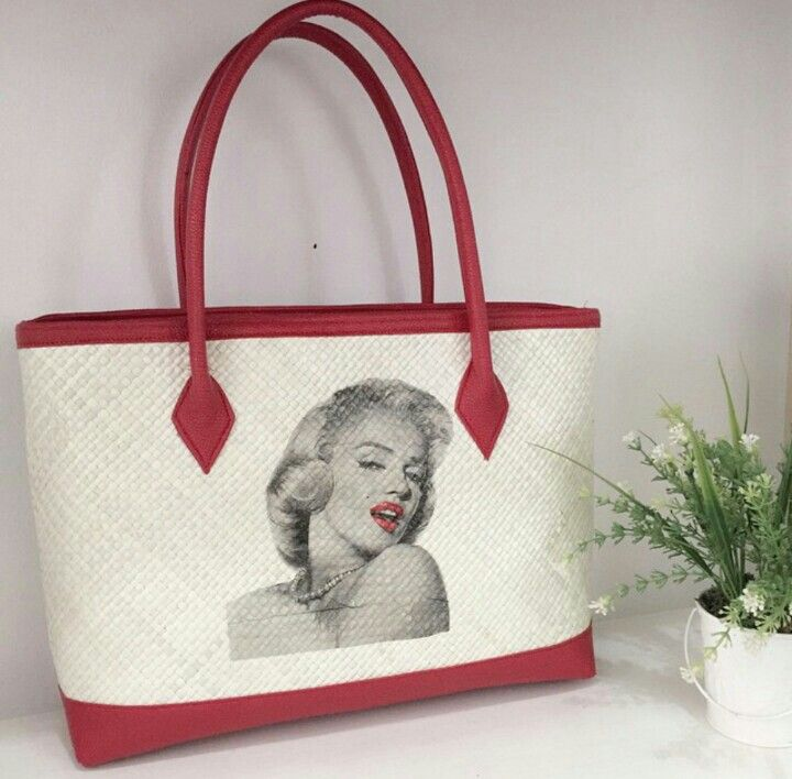 Marylin Painting - Woven Bag