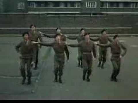 Monty Python Militares gays