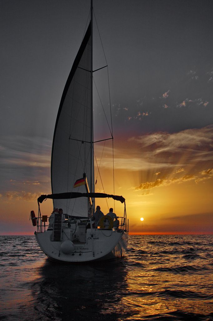 392 Best Images About Boats And Yachts At Night On Pinterest