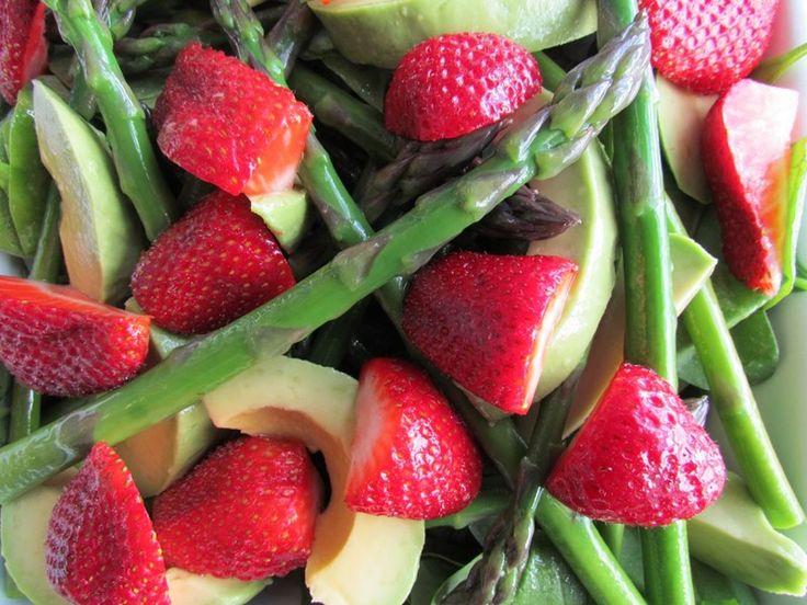 Avocado, Asparagus and Strawberry Salad
