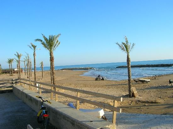 Marina di Ragusa is an area known for both its beautiful beaches and for its nightlife
