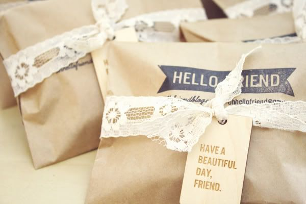 Fun packaging via @oh, hello friendBrown Paper Bags, Dresses Up, Gift Ideas, Vintage Packaging, Gift Wraps, Handmade Gift, Hello Friends, Soyez Diy, Pretty Packaging
