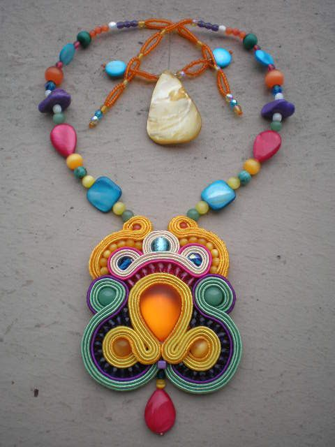 P1230141 collier soutache flamboyant