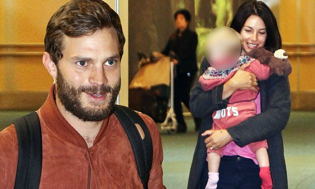 jamie dornan arrives in vancouver with wife amelia warner. Black Bedroom Furniture Sets. Home Design Ideas