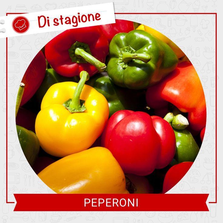 """#Sapeviche i peperoni sono molto ricchi di vitamina C? Ne contengono circa tre volte più dell'arancia! Per sfruttare questa qualità al meglio, sarebbe bene consumarli crudi nell'insalata e non cotti, dato che si tratta di una sostanza termolabile che si """"perde"""" con le temperature elevate. Scopri le nostre ricette su http://rebrand.ly/menu-settimanale  #Second_Chef #incucinaconsecondchef"""