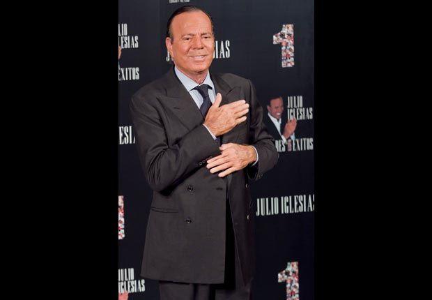 70: Julio Iglesias
