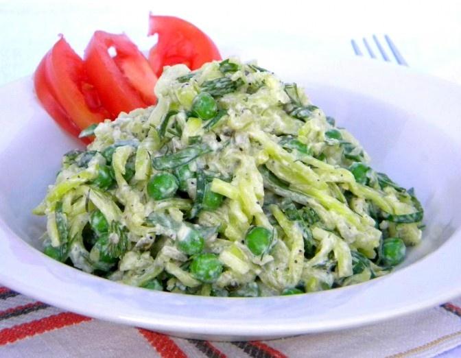 Creamy Zucchini Pasta SaladVegan Raw Salad, Raw Creamy, Raw Recipes, Vegan Recipe, Creamy Zucchini, Raw Food Recipes, Raw Vegan, Zucchini Ribbons, Zucchini Pasta Salad