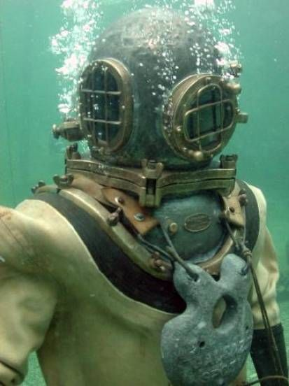 Vintage deep sea diving