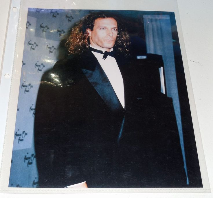 2 MICHAEL BOLTON 8X10 GLOSSY PHOTOS: BOTH IN COLOR & IN VINYL SLEEVE: FREE SHIP