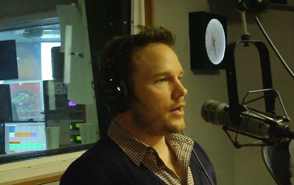 Chris Pratt, de Guardiões da Galáxia, imita Eminem em programa de rádio >> http://glo.bo/1kkSNry