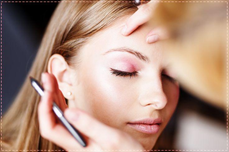Delikatny makijaż w pastelowych kolorach to idealna propozycja na wiosnę. Spróbujesz? :)