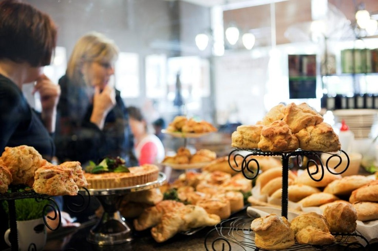 The Ballarat region attracts attention for its diverse range of produce - from game and organic vegetables to farmhouse cheeses and chocolates - much of which is savoured by local restaurants and matched with wines produced just a few kilometres away.