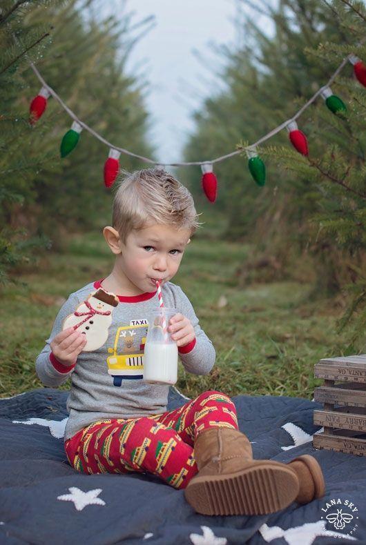 Christmas Tree Farm Family Mini-Session - Seattle Children Photography. Family Christmas, Holidays Picture Ideas. Pajamas, Cookies & Milk.