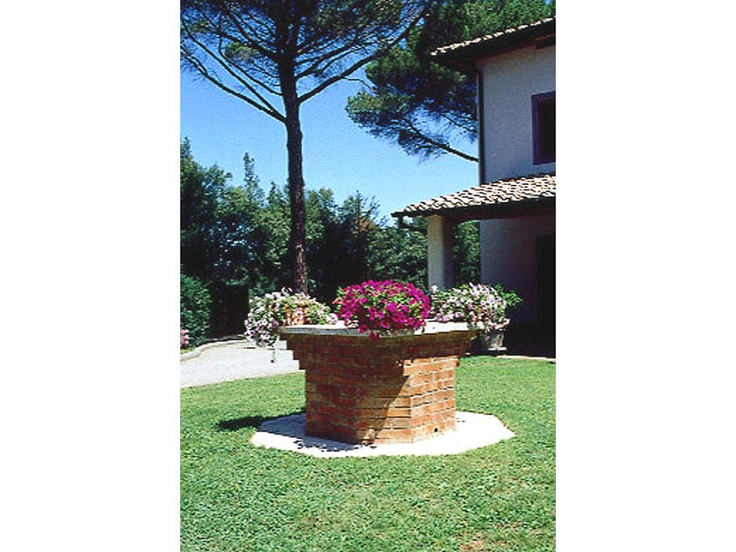 Villa Monty is classic and chic. On top of the hill, above twin medieval towns San Gimignano and Voterra, this villa shines on its own way with its distinct features. The whole area is planted with trees that emanate fresh air. http://www.ciaoitalyvillas.com/tuscany-vacation-rentals/florence/gambassi-terme-villas/10464